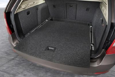 skoda superb 2 combi 1 8 tsi elegance auto redaktionauto. Black Bedroom Furniture Sets. Home Design Ideas